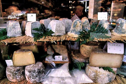 French  cheese, food in Paris