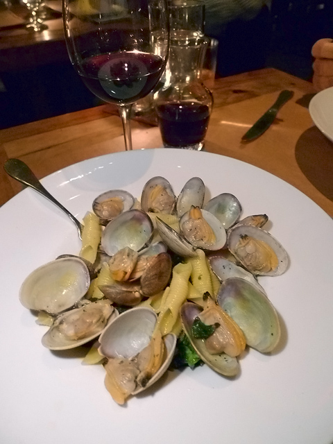 Rolled trofie pasta with clams and broccoli rabe is worth ordering too ...