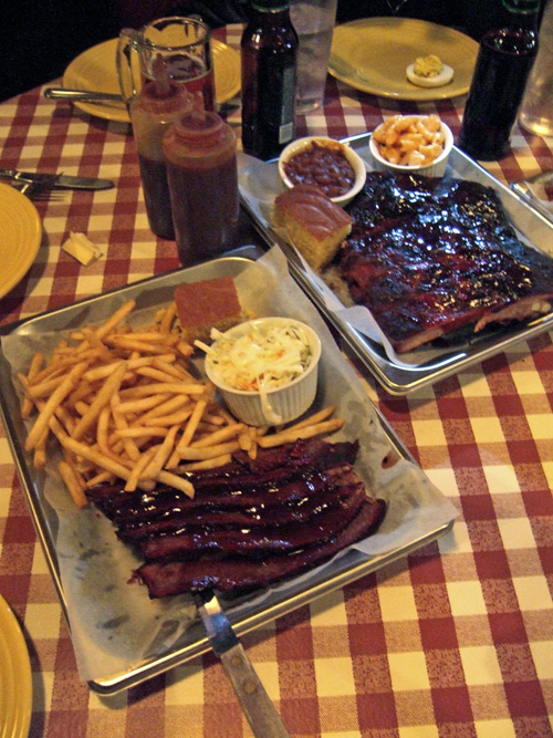 St. Louis ribs could exorcise the curse on East 63rd. Photo: Steven Richter